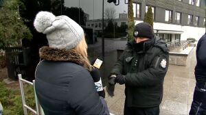Reporterka TVN24 próbuje wejść do Sejmu