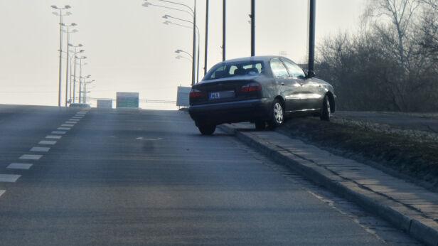 Mróz zatrzymał auta na stołecznych ulicach Lech Marcinczak /tvnwarszawa.pl