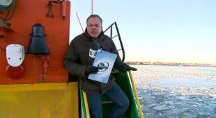 Lodołamacze kruszą pokrywę lodową na Zbiorniku Włocławskim (TVN24)